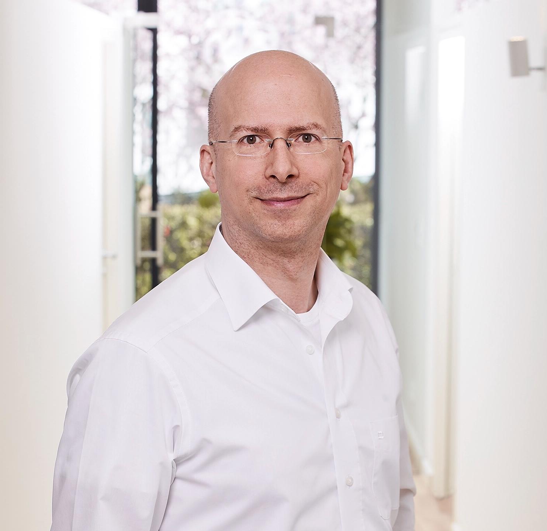 Andreas L. Wüst, Plastischer Chirurg Köln